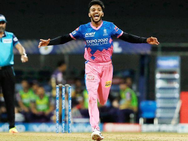 श्रीलंका दौरे के लिए टीम में 6 अनकैप्ड खिलाड़ियों को मौका मिला है। इसमें सकारिया के अलावा देवदत्त पडिक्कल, ऋतुराज गायकवाड़, नीतीश राणा, कृष्णप्पा गौतम और वरुण चक्रवर्ती शामिल हैं। - Dainik Bhaskar