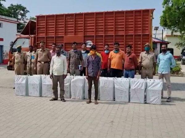 मादक पदार्थोंकी तस्करी में शुक्रवार कोप्रयागराजमें STF, नारकोटिक्सब्यूरो और हंडियापुलिसकी संयुक्त टीम को बड़ी सफलता हाथ लगी है। - Dainik Bhaskar