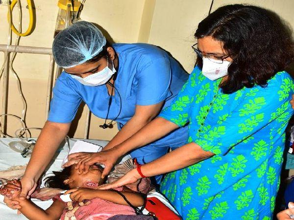 ईएनटी विभागध्यक्ष डॉक्टर कविता सचदेवा ने मासूम की बचाई जिंदगी। - Dainik Bhaskar