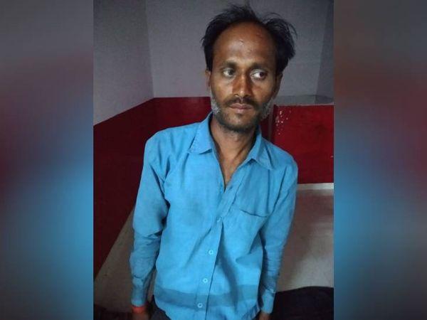 यह फोटो पकड़े गए चोर रिंकू की है। पुलिस ने इससे पूछताछ कर रही है।
