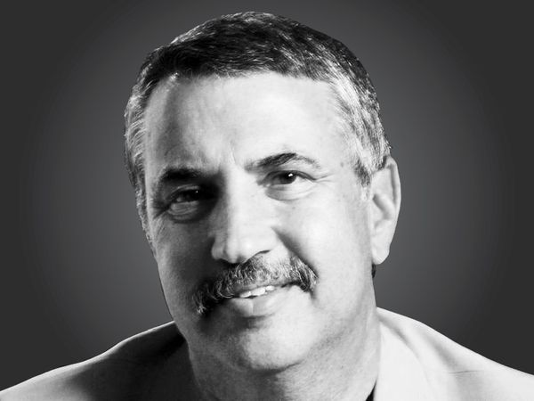 थाॅमस एल. फ्रीडमैन, तीन बार पुलित्ज़र अवॉर्ड  विजेता एवं 'द न्यूयॉर्क टाइम्स' में नियमित स्तंभकार - Dainik Bhaskar