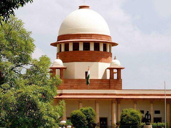 सुप्रीम कोर्ट की जस्टिस इंदिरा बनर्जी और जस्टिस एमआर शाह की पीठ ने कहा कि वे परीक्षा रद्द करने का आदेश जारी नहीं कर सकते, क्योंकि यह एक शैक्षिक नीति का मामला है। - Dainik Bhaskar