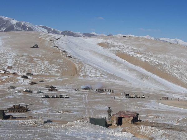 LAC पर विवादित इलाके से पीछे हटने के समझौते के बाद चीनी सैनिकों ने लेक के पास बनाए अपने बंकर तोड़ दिए थे।