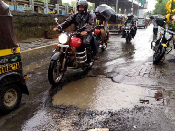 तस्वीर मुंबई की मलाड के पश्चिमी एक्सप्रेसवे और बोरिवली के जोगेश्वरी सर्विस रोड की है।