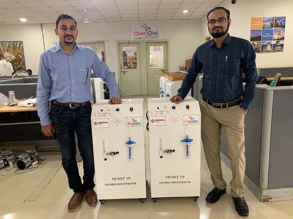 डॉ सुनील ढोले और डॉ तुषार वाघ ने बताया कि बड़े पैमाने पर कंसंट्रेटर बनाने के लिए कंपनी ने पुणे में यूनिट बनाई है।