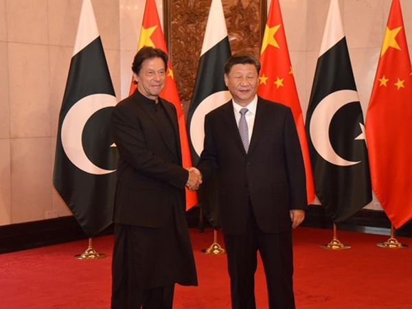 Xi Jinping with Imran Khan (File) - Dainik Bhaskar