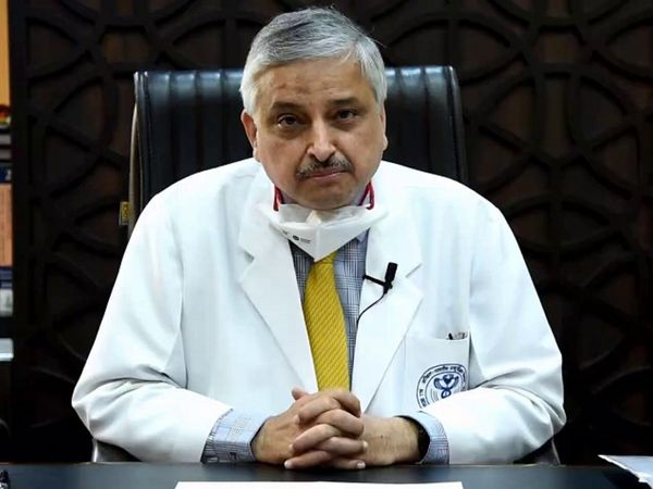 डॉक्टर गुलेरिया ने वैक्सीनेशन को कोरोना केस रोकने में अहम किरदार माना है। - Dainik Bhaskar