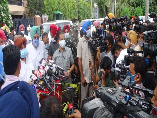 सीएम पंजाब ने जीव मिल्खा सिंह से उनकी पिता और माता की मौत पर दुख व्यक्त किया