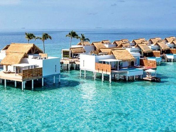 कुछ दिनों पहले तक मालदीव ने कोरोना पर नियंत्रण करने का दावा किया था। इससे वहां पर्यटकों की आमद भी शुरू हो गई थी। - Dainik Bhaskar