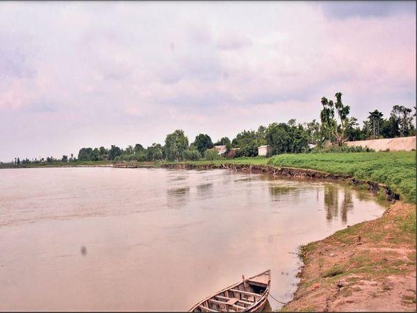 नदी के दबाव को झेल पाएगा यह बांध? 60 लाख लोगों की अटकी हैं सांसें। - Dainik Bhaskar