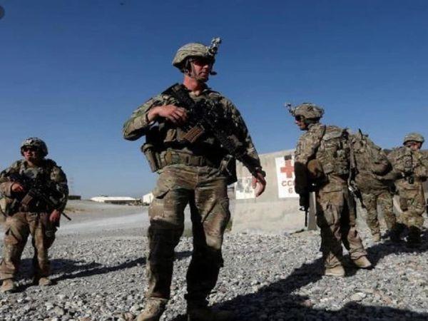 जॉन किर्बी ने बताया है कि अमेरिका लगातर ग्राउंड पर बने हालात, अमेरिकी सेना की क्षमता और  अफगानिस्तान से बाहर आने के समय संसाधन की जरूरत पर निगरानी रख रहा है। इस तरह के सभी फैसले समय के साथ लिए जा रहे हैं।- फाइल फोटो - Dainik Bhaskar