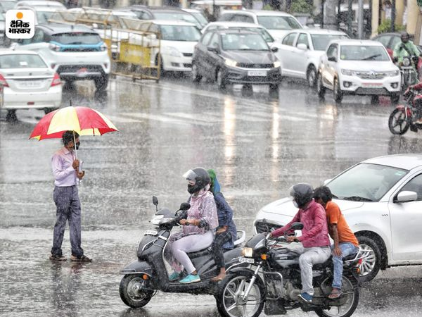 लखनऊ में बारिश के दौरान जाम की स्थिति भी रही।