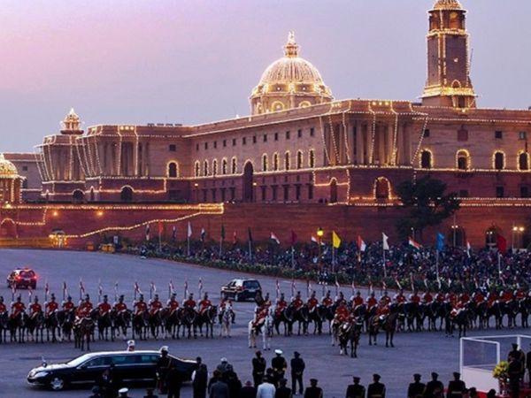 जब ब्लास्ट हुआ, उस वक्त विजय चौक पर ही बीटिंग रिट्रीट चल रही थी, जिसमें राष्ट्रपति, प्रधानमंत्री, रक्षा मंत्री समेत कई VVIP मौजूद थे।