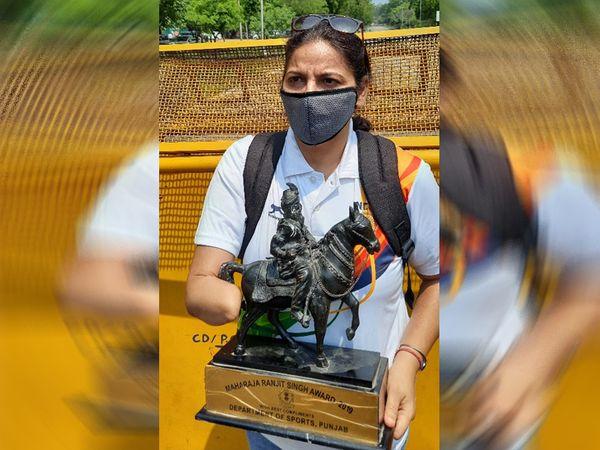वीणा अरोड़ा पैरा एथलीट चैंपियन को पुलिस ने पकड़ा