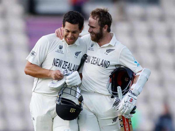 रॉस टेलर ने चौका लगाकर न्यूजीलैंड को फाइनल जिताया। जीत के बाद विलियम्सन ने कुछ इस प्रकार टेलर को बधाई दी।