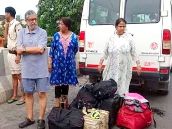 पटना में 2019 की बारिश में रेस्क्यू कर घर से बाहर लाए गए थे तत्कालीन डिप्टी CM सुशील कुमार मोदी। (फाइल फोटो)