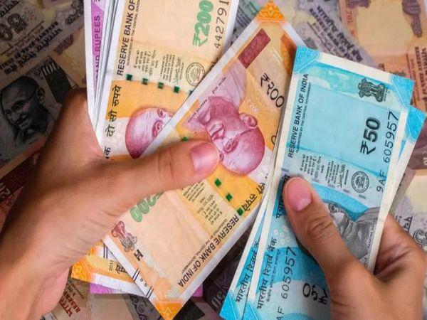 वित्त मंत्रालय ने पिछले साल अप्रैल में बढ़े हुए महंगाई भत्ता और महंगाई राहत के भुगतान पर जुलाई 2021 तक रोक लगा दी थी।-सिम्बॉलिक तस्वीर - Dainik Bhaskar