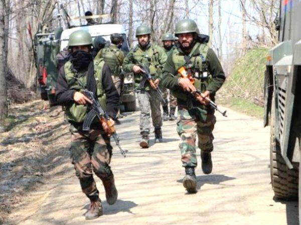 श्रीनगर के मलहूरा परिमपोरा इलाके में दो से तीन आतंकियों के छुपे होने की आशंका है। - Dainik Bhaskar