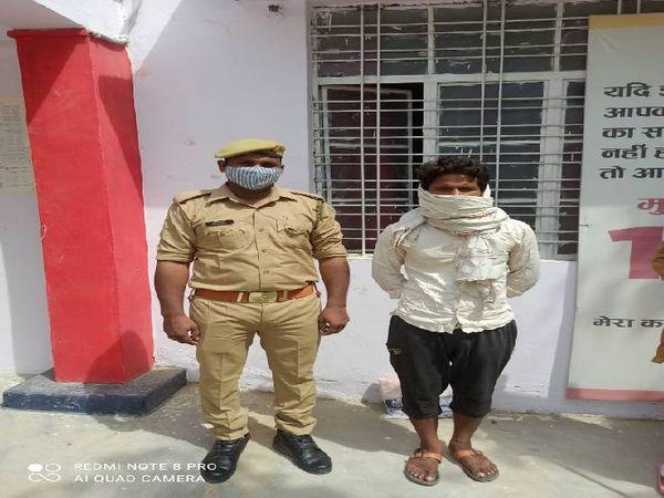 फतेहपुर में पुलिस ने 25 हजार के इनामी शराब तस्कर को दबोचा। - Dainik Bhaskar