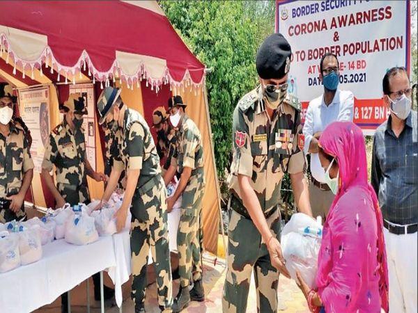 सख्त नाकेबंदी के साथ ग्रामीणों को स्वास्थ्य सुविधाएं मुहैया करा रहे। - Dainik Bhaskar