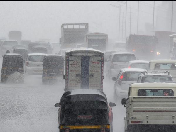मुंबई समेत महाराष्ट्र के कई इलाकों में गुरुवार को तेज बारिश हुई। - Dainik Bhaskar