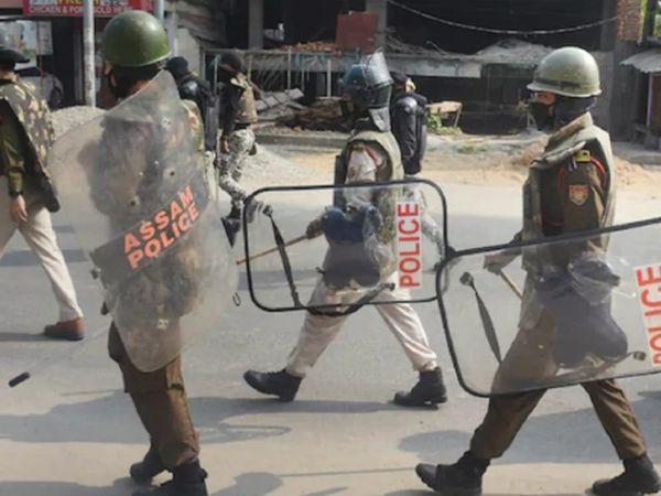 असम पुलिस का कहना है कि उन्हों� - Dainik Bhaskar