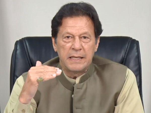 फोटो इमरान खान के इंटरव्यू की है, जो अमेरिकी न्यूज चैनल के पत्रकार ने लिया है। - Money Bhaskar