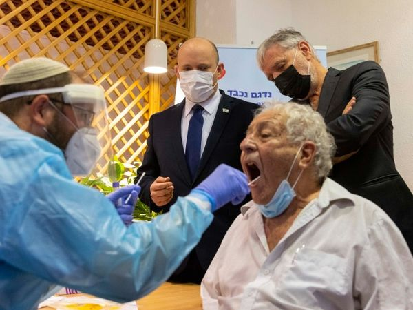 इजरायल में अगस्त के आखिर तक गंभीर मरीजों का आंकड़ा 1000 तक पहुंचने का अनुमान है।