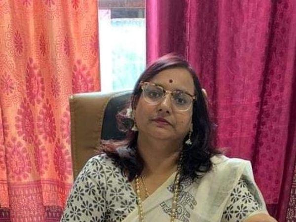 स्त्री रोग विशेषज्ञ डॉ. रेणु साेनी। - Money Bhaskar