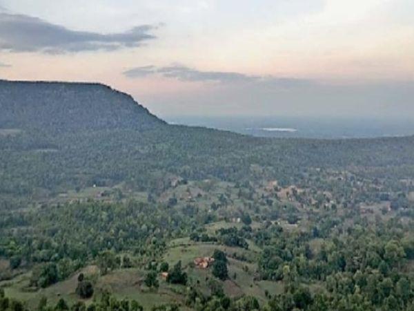 पेंड्रा, गौरेला मरवाही जिले में है राजमेढ़गढ़। एक सुंदर नजारा। - Money Bhaskar