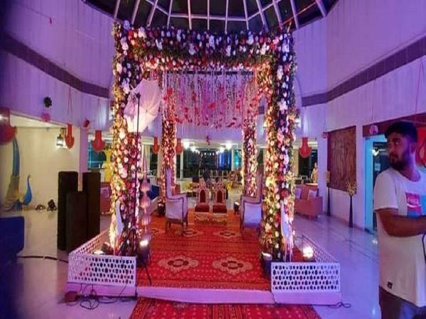 बिलासपुर के ज्यादातर होटल्स और मैरिज गार्डन में शादी-पार्टी के लिए बुकिंग फुल हो चुकी है। - Money Bhaskar