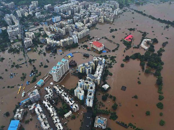पिछले सप्ताह भारी बारिश के बाद महाराष्ट्र के 6 जिलों में बाढ़ जैसी स्थिति देखने को मिली थी। - Money Bhaskar
