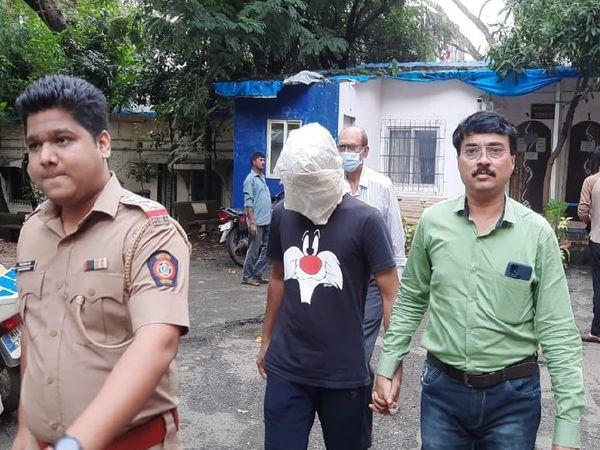 मालाड पुलिस स्टेशन के वरिष्ठ पुलिस निरीक्षक धनंजय लिगाड़े ने बताया कि आरोपी के खिलाफ रेप के प्रयास और आईटी एक्ट के तहत मामला दर्ज किया गया है। - Money Bhaskar