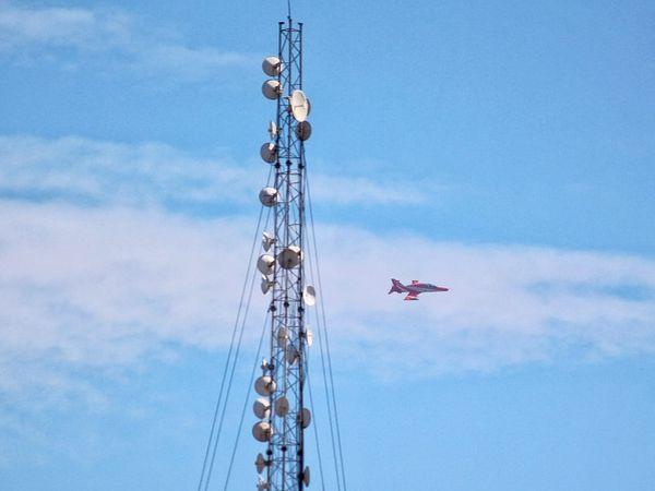 जालंधर के आसमान में रिहर्सल करती के वक्त गुजरता एयरफोर्स की फाइटर प्लेन।