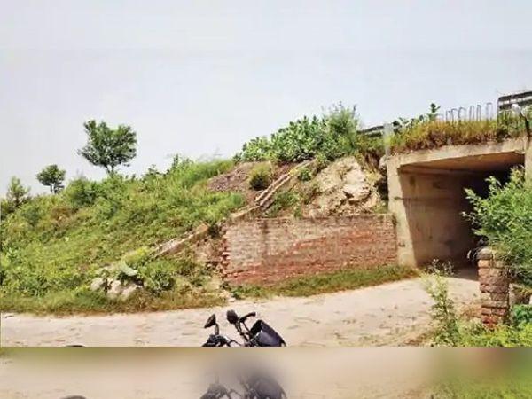 अमृतसर-जालंधर हाईवे पर हंबोलवाल अंडरपास, जहां टिफिन बम रखा गया था।