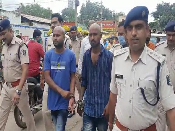 रायपुर की पुलिस ने इस मामले में सख्ती दिखाई। - Money Bhaskar