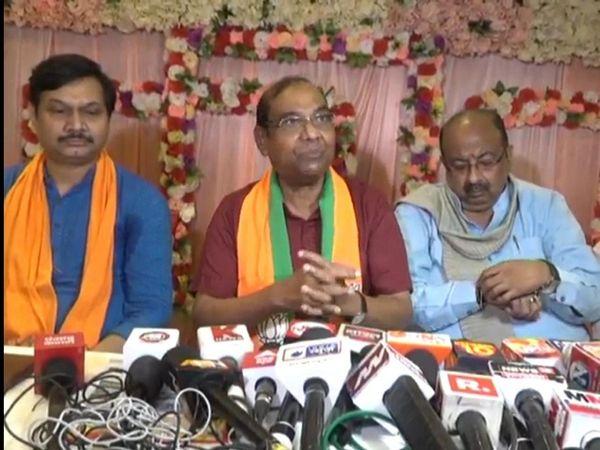 राजसभा सांसद बृजलाल कानपुर के एक कार्यक्रम में प्रेस वार्ता करते हुए सपा के राष्ट्रीय अध्यक्ष अखिलेश यादव पर जमकर बरसे। - Money Bhaskar