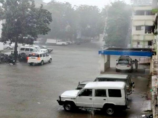 रविवार रात 2 बजे के बाद रोहतास, औरंगाबाद, कैमूर और नालंदा में बारिश हुई। - Money Bhaskar