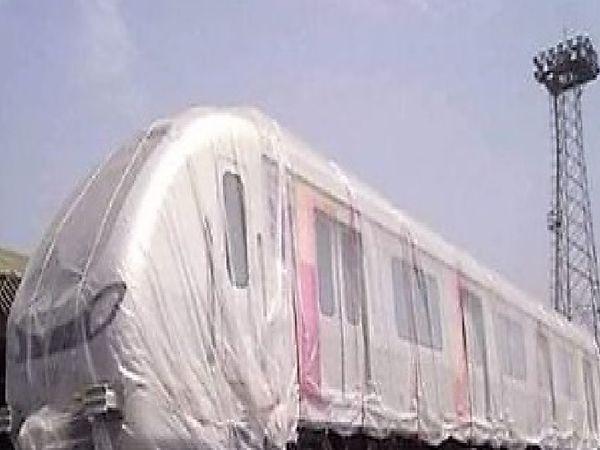 आगरा के रास्ते कानपुर लाए जाएंगे कानपुर मेट्रो के कोच। अल्स्टॉम कंपनी की जिम्मेदारी में लाए जा रहे कोच। - Money Bhaskar