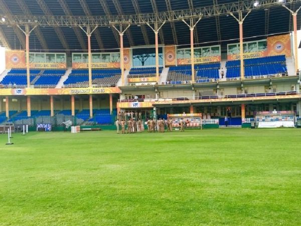 ग्रीन पार्कस्टेडियम का फाइल फोटो। - Money Bhaskar