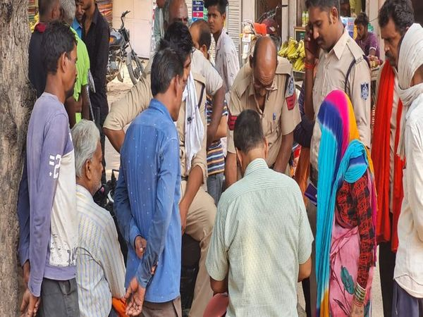 पुलिस ने पीएम के बाद शव परिजनों को सौंप दिया। - Money Bhaskar