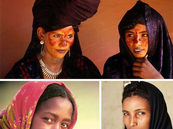 सहाराच्या मरुस्थलमध्ये राहणाऱ्या एका समाजातील महिला. - Divya Marathi