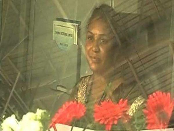 चेन्नईची मेट्रोची पहिली महिला चालक प्रीती - Divya Marathi