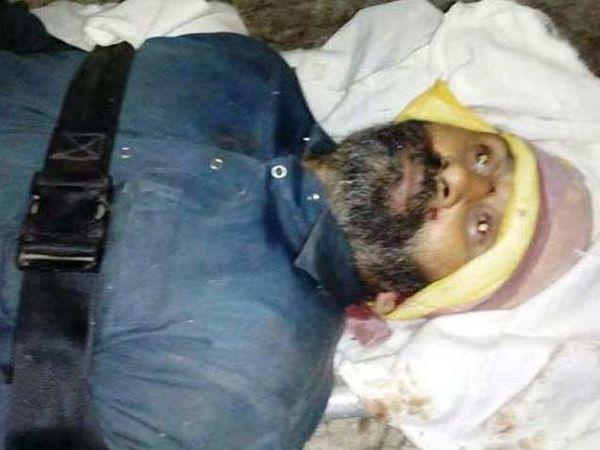 लष्कराच्या चकमकीत ठार झालेला दहशतवादी अन्वर. - Divya Marathi