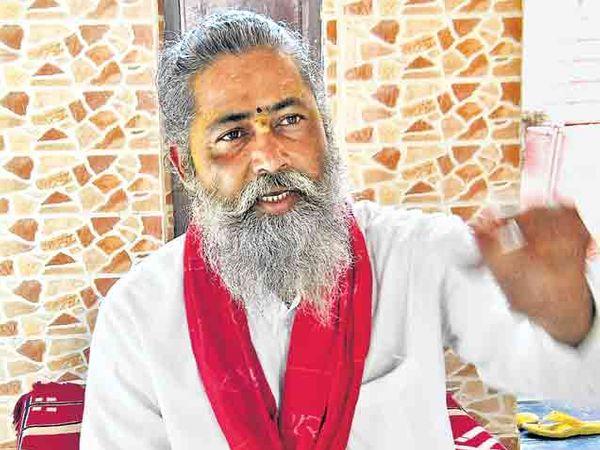 विश्वंभरदास महाराज कुंभमेळा व्यवस्थापक, दिगंबर अाखाडा - Divya Marathi