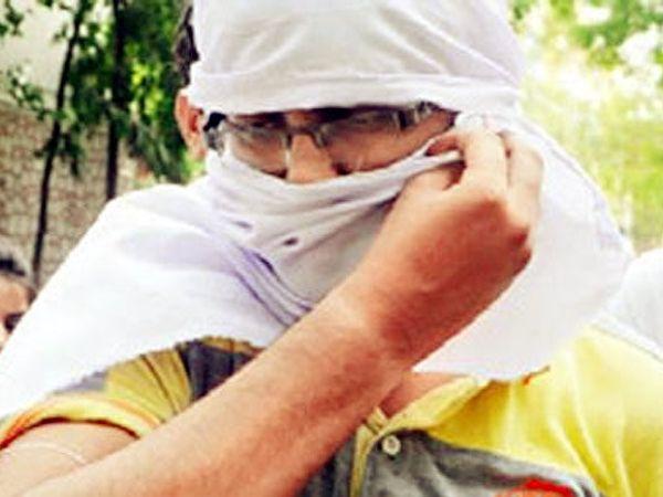 अटक करण्यात आलेला ऋषभ रावत - Divya Marathi