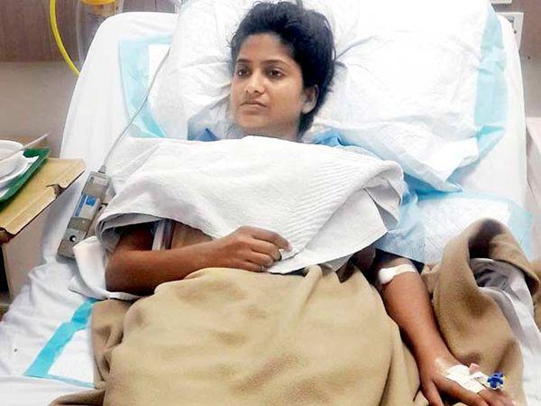 रेखावर सध्या रुग्णालयात उपचार सुरू आहेत. - Divya Marathi