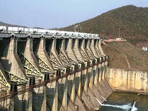 देशातील 91 मोठ्या धरणांमध्ये फक्त 15% पाणीसाठा शिल्लक आहे. - Divya Marathi