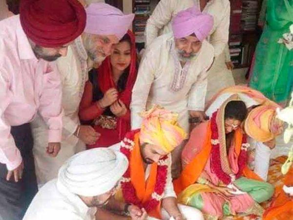 लग्नाच्या विधीदरम्यान शाहिद-मीरा - Divya Marathi