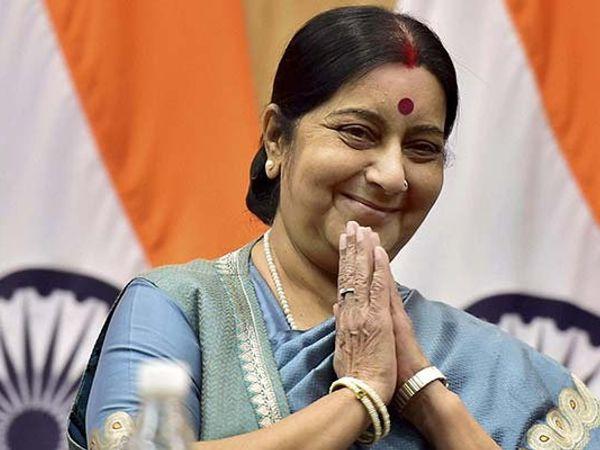 परराष्ट्रमंत्री सुषमा स्वराज यांना विदेशातून सर्वाधिक 29 भेटवस्तू मिळाल्या आहेत. - Divya Marathi